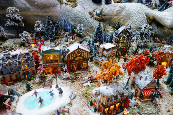 Lemax Christmas.Lemax 2018 Christmas Village Eu Christmas Village Lemax